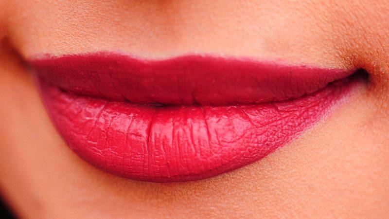 labbra rosse rifatte